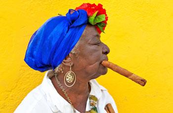 A local woman with a cigar | © Kamira/Shutterstock